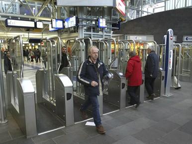 Sprinters staan te lang stil op Leiden