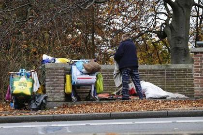 Bekend Hilversums daklozenstel ruilt viaduct Mediapark in voor een caravan in zuid
