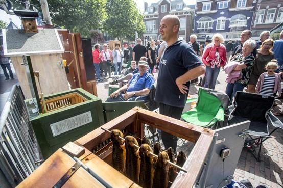 Open Kampioenschap Makreel Roken in Zandvoort: 'Je kunt alles roken, makreel, forel, zelfs je schoonmoeder'