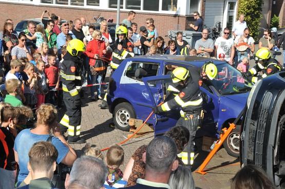 Brandjes blussen en reanimeren bij open dag brandweer in Heemskerk