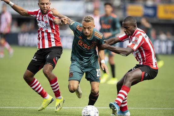 Ten Hag haalt vier talenten bij selectie Ajax