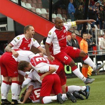 IJsselmeervogels stelt zich met zege op regerend kampioen AFC titelkandidaat in tweede divisie [video]