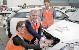 Centraal wagenpark voor duurzame gemeentelijke voertuigen op de grond van Spaarnelanden.