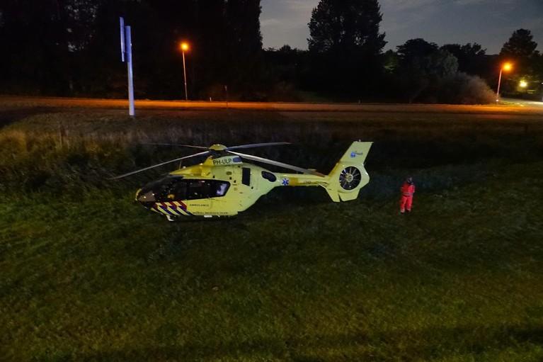 Persoon zwaargewond aangetroffen na val in Bovenkarspel, traumahelikopter rukt uit