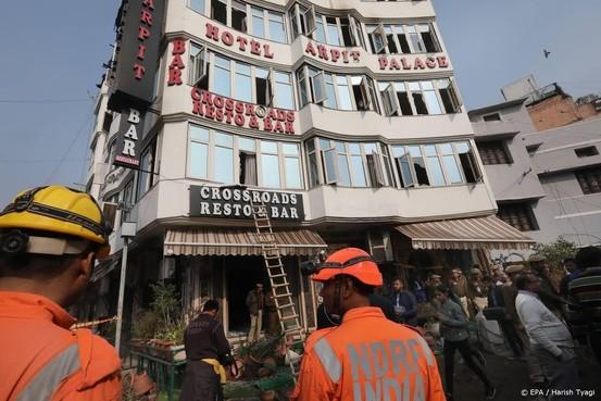 Dodental bij brand in hotel India loopt op