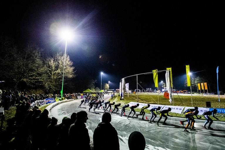 Andijker Simon Schouten wint eerste natuurijsmarathon van deze winter
