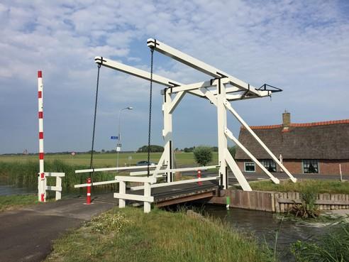 Wipbrug Opmeer wipt weer