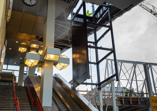 Liftschacht bij station Zaandam is hele hijs