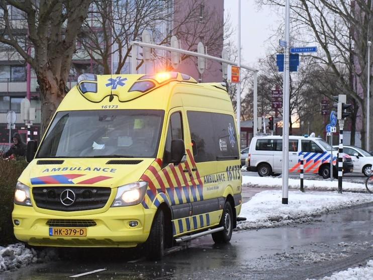 Een gewonde bij botsing op kruising in Leiderdorp