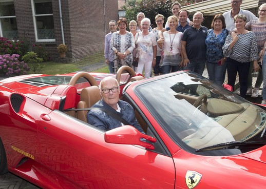 Ferrari-verrassing voor zieke Frits Zuurendonk
