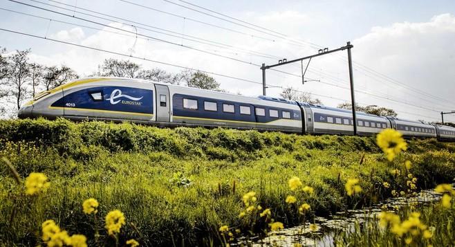 Korte vluchten op Schiphol gaan weren, stelt GroenLinks voor