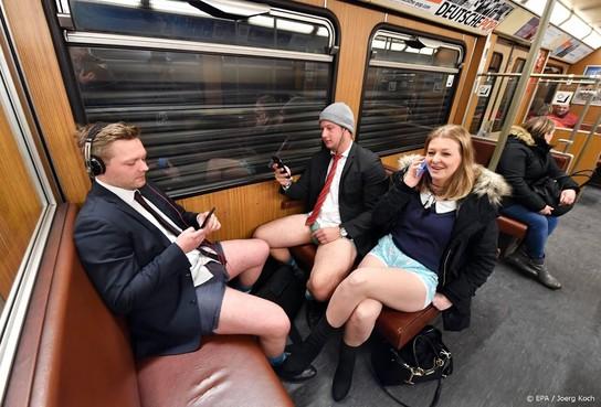 In je onderbroek de Amsterdamse metro in
