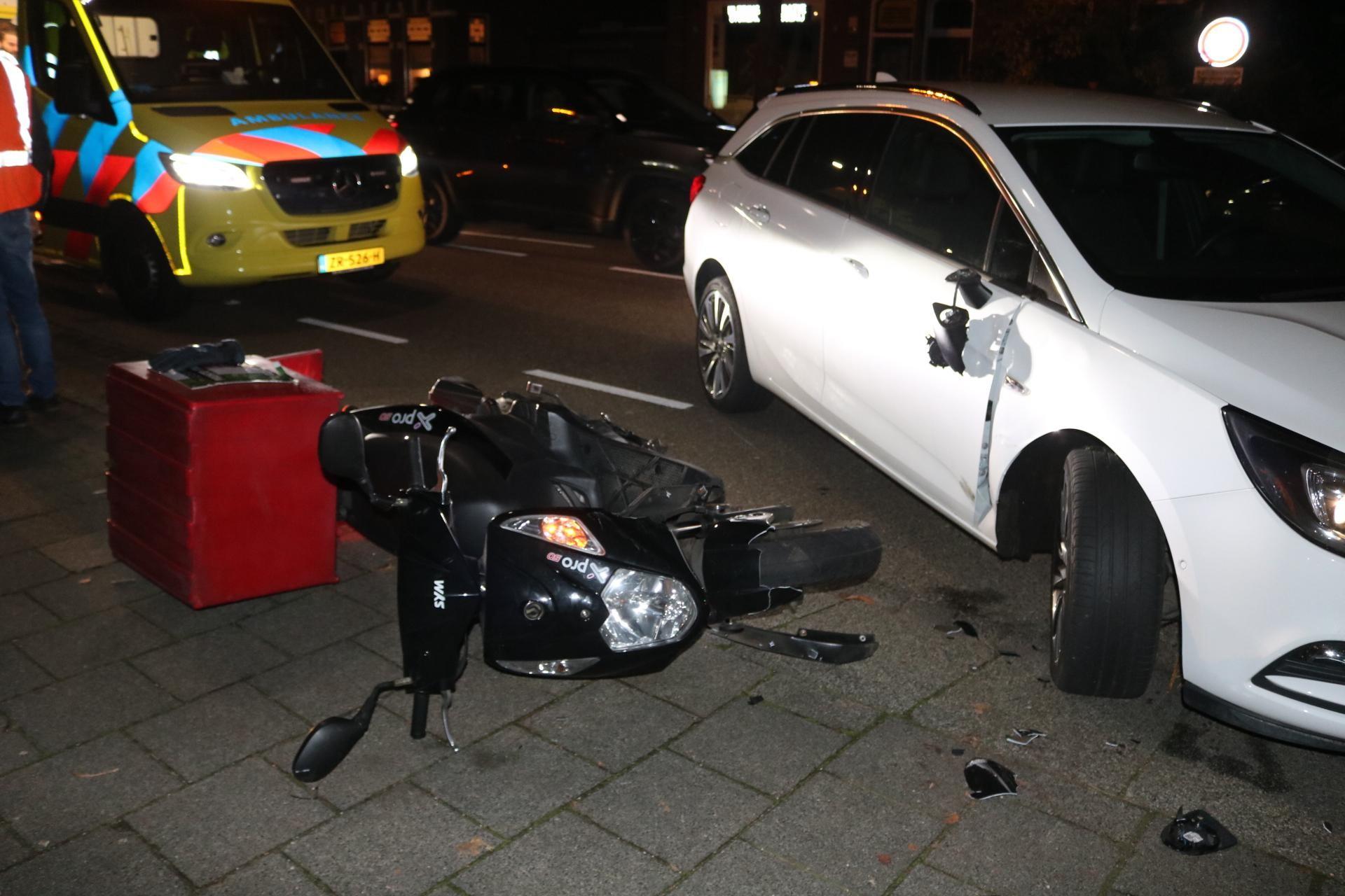 Pizzabezorger raakt gewond bij aanrijding in Sassenheim - Leidsch Dagblad