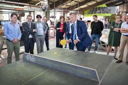 Commissaris van de Koning op werkbezoek in Haarlem: 'Speel niet de integriteitsviool'