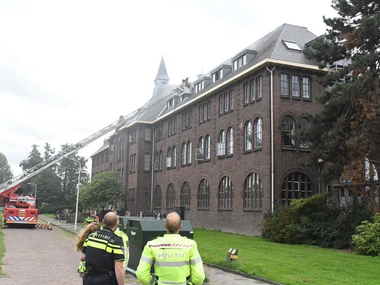 Oud klooster in Leiden ontruimd om brand in studentenkamer