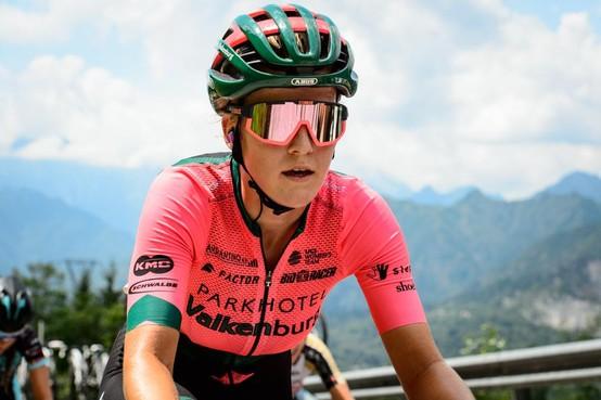 Marit Raaijmakers zit door avontuur in Giro Rosa nu toch echt in het wereldje