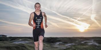 15-jarige Luna de Bruin naar EK triatlon in Weert: 'Ik vind alle drie de sporten leuk'