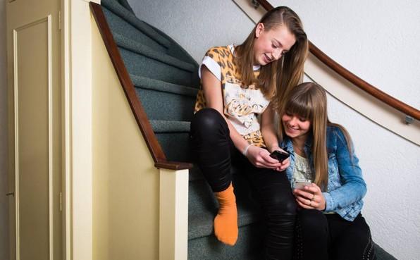Onderzoek: jeugd is druk maar blij