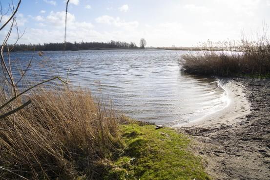 Asbest en arseen in plas Vlietland: PvdD roept op 'pervers verdienmodel' baggerstort een halt toe te roepen
