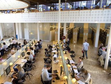 Student zoekt de rust op: tekort aan werkplekken