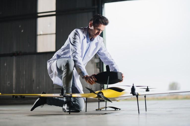 Bloed sneller via de lucht vervoeren met drones [video]