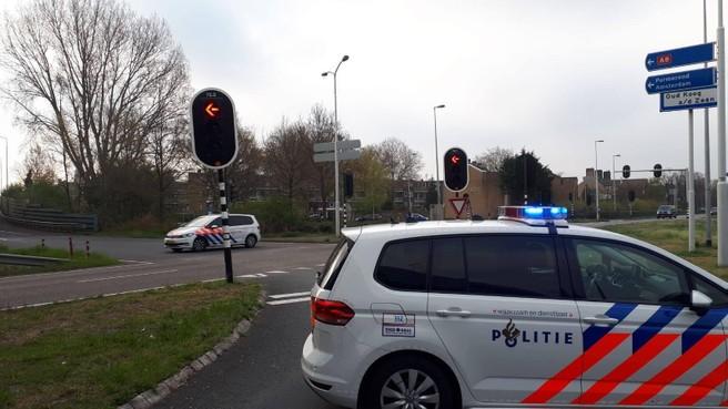 Politie sluit snelweg A8 voor overstekende eendenfamilie