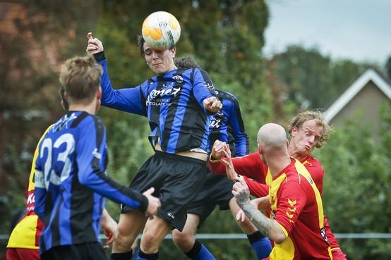 Vitesse'22 wint boeiende ontmoeting met HSV en houdt aansluiting bij de kopgroep