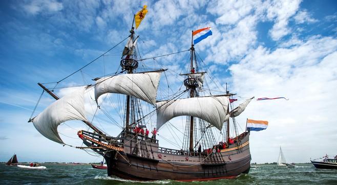 College wil VOC-replicaschip Halve Maen in Hoorn houden