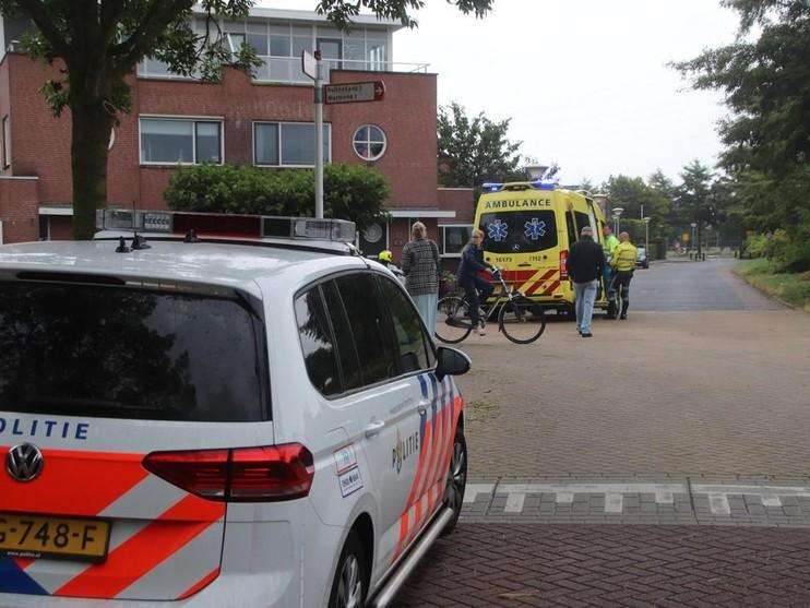 Vrouw op e-bike geschept door auto in Lisse