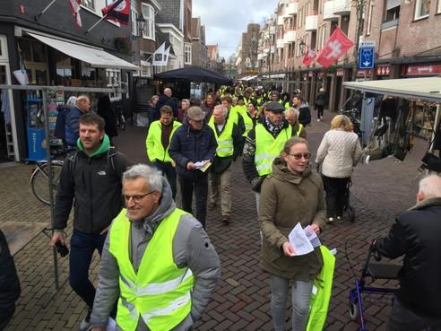 Ordelijk protest gele hesjes in Alkmaar kent onderhuidse spanning [video]