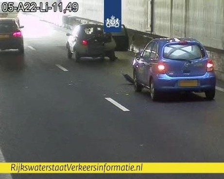 Velsertunnel dicht richting Velsen na botsing