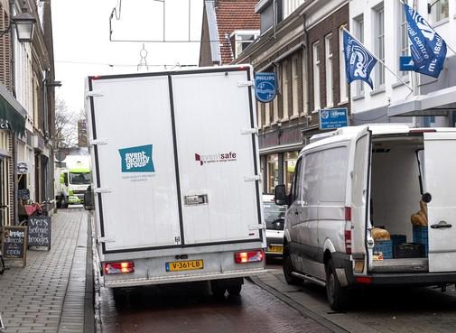 Bewoners zijn vrachtwagens in de Haarlemse binnenstad beu