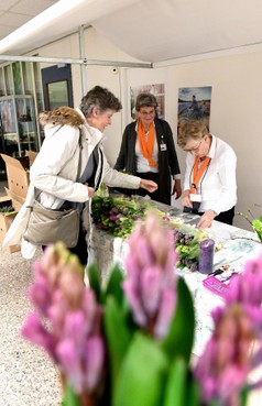 Verse ruikers voor jonge patiënten in Helders ziekenhuis