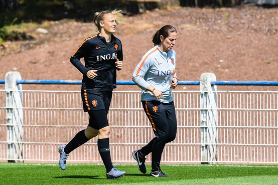 Stefanie van der Gragt traint weer mee bij Oranje
