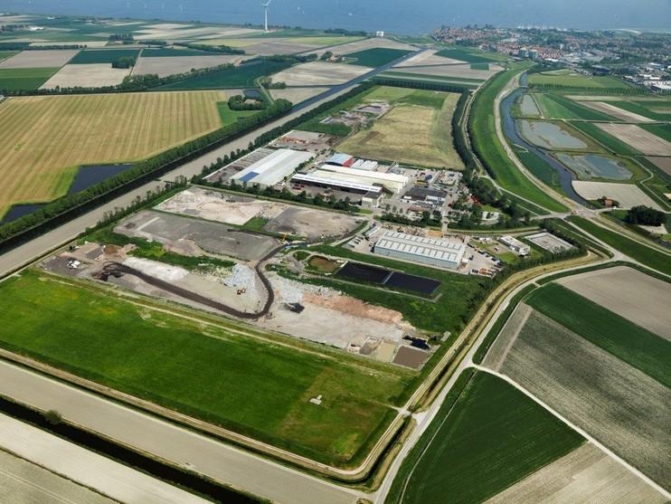 Duizend handtekeningen tegen stank van stort Middenmeer verwacht