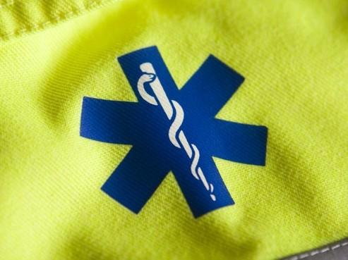 Dronken Wassenaarder schopt ambulancebroeder