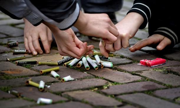 Burgemeesters in regio IJmond voor verbod op zwaar vuurwerk, als het maar landelijk is