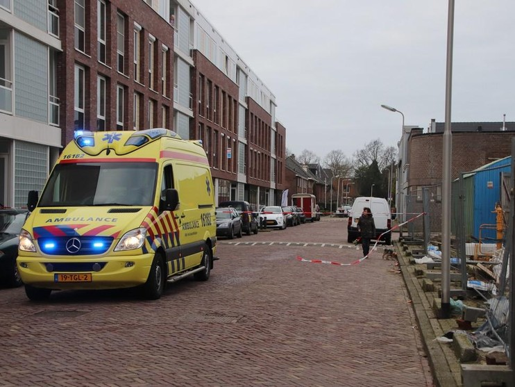 Automobilist rijdt opzettelijk bij Sociale Dienst naar binnen in Lisse