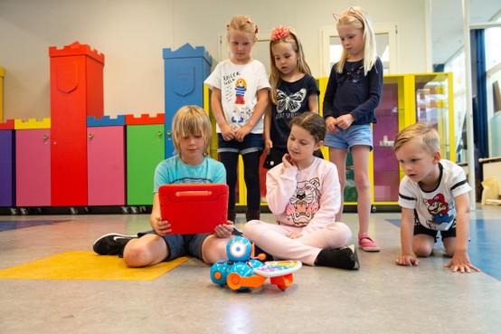 Robots veroveren de klas op basisschool De Stap in Landsmeer