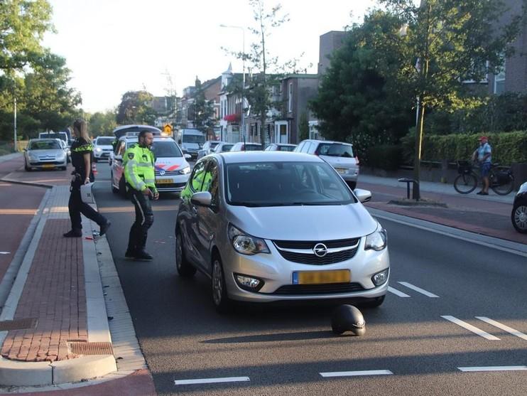 Bellende bezorger gewond bij ongeval in Hillegom