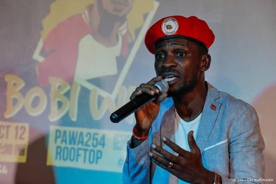 Popster-criticus opgepakt in Oeganda