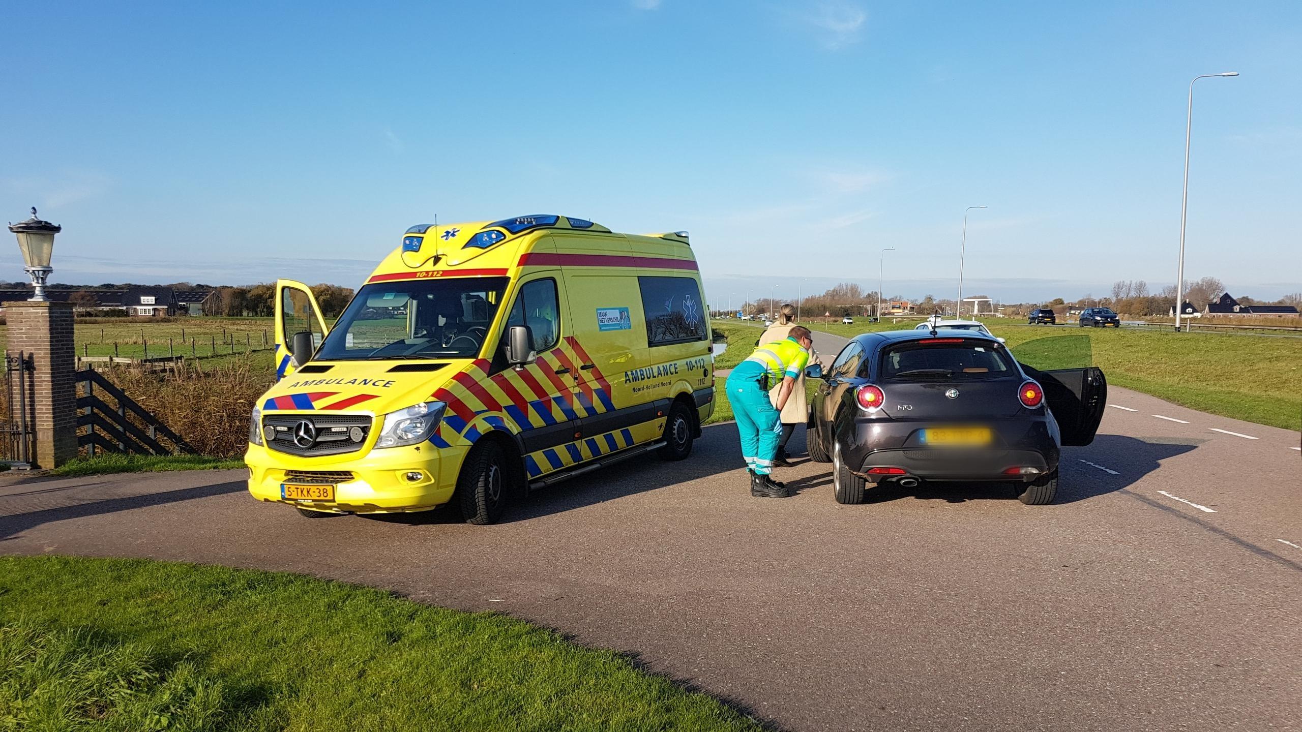 Hoogzwangere vrouw lichtgewond bij aanrijding, bestuurder ri... - Noordhollands Dagblad