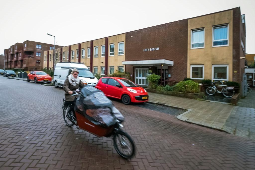 Experiment: dakloze jongeren in Alkmaar krijgen 10 mille om leven op de rit te krijgen - Noordhollands Dagblad
