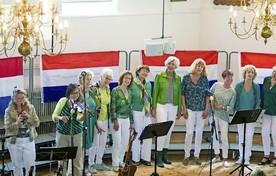 Het optreden van Out Cider op het Saens korenfestival in Wormerveer.