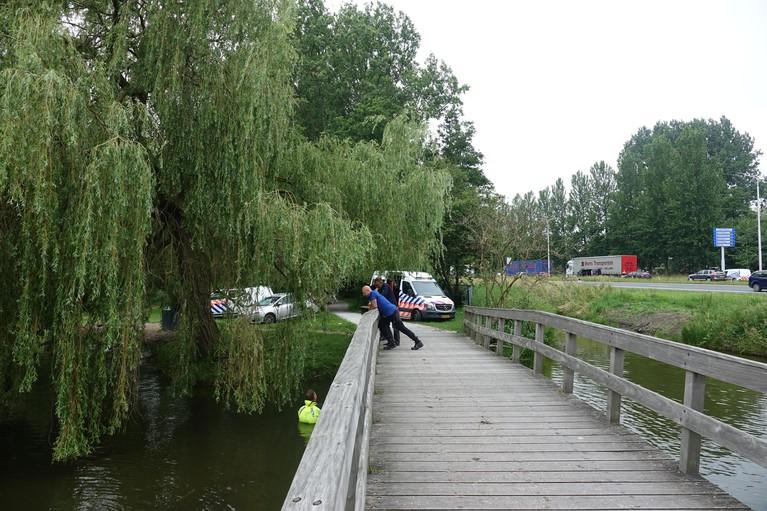 Politieonderzoek bij Vijfhoekpark in Zaandam in kader van dodelijke schietpartij Amsterdam [video]