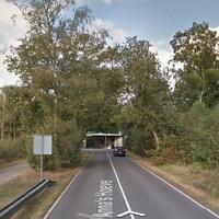 De Hilversumse werd op het fietspad langs de Weg over Anna's Hove, vlakbij het viaduct van de A27.