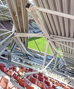 OVV start onderzoek naar ingestorte dak van AZ-stadion