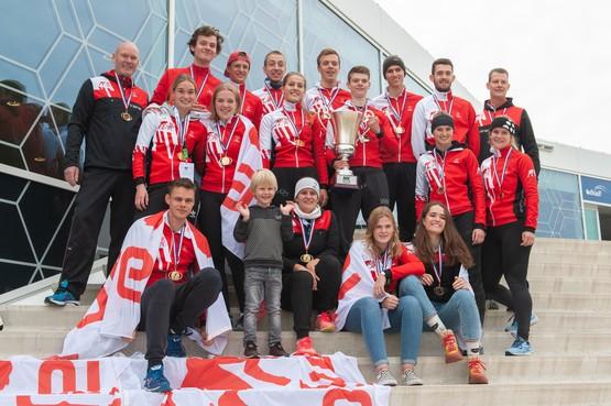Alkmaarsche IJsclub wordt Nederlands kampioen zonder veel uren op het ijs; de Alkmaarse ijsbaan De Meent gaat dit weekend pas open