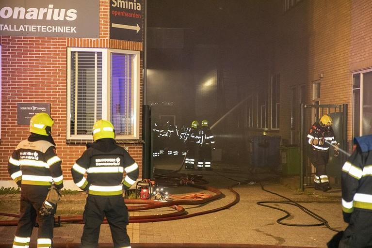 Huizen rond Heemskerkse goochelshop ontruimd om brand
