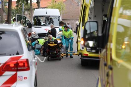 Vrouw ernstig gewond geraakt bij aanrijding met personenauto in Haarlem